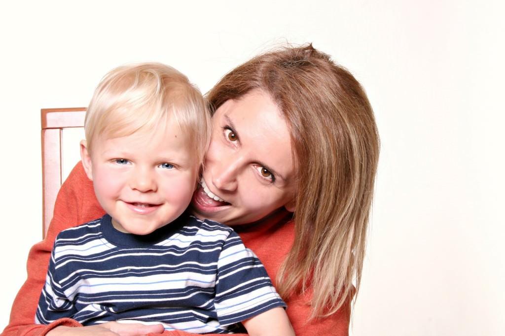 Mama na etacie? Czy da się pogodzić pracę zawodową z macierzyństwem?