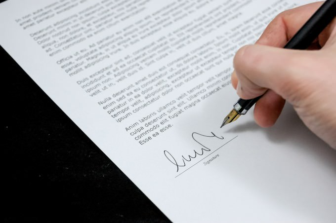 podpisywanie wniosku o urlop