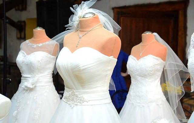 Suknie ślubne na wystawie