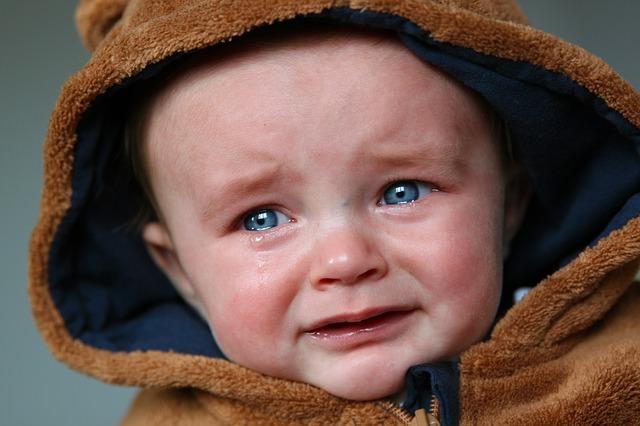 Płaczący chłopiec