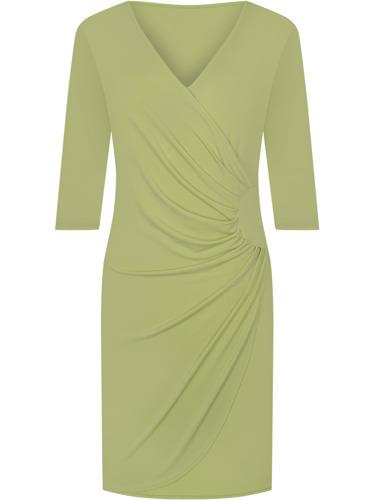 Zielona sukienka wyszczuplająca